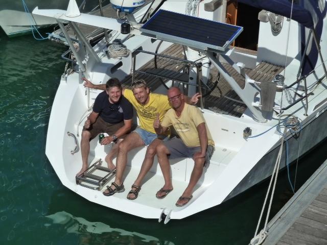 Die alte und neue Crew , hier kurz vor der Überführung aus der Biskaya Sommer2011